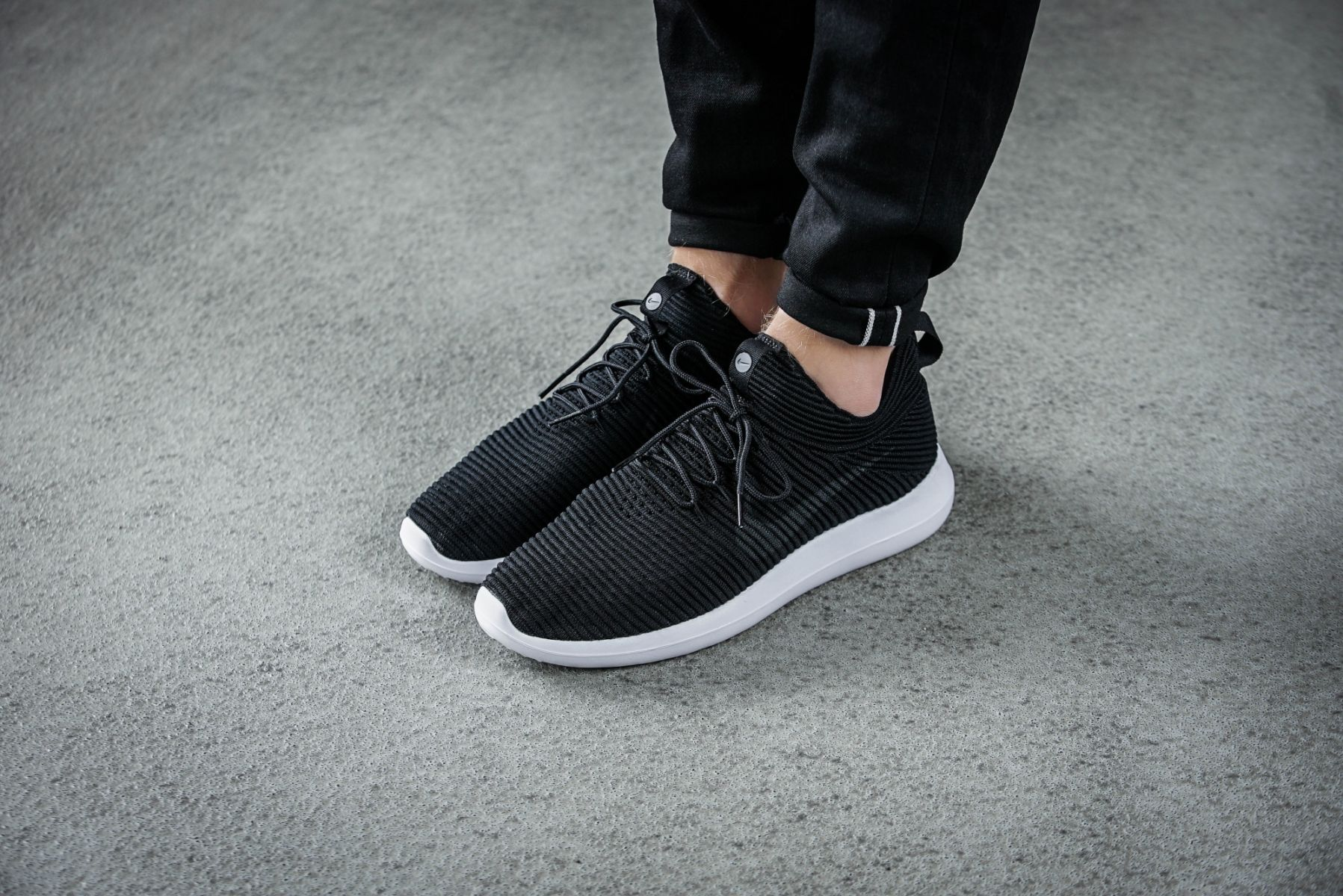 New Nike Roshe Two Flyknit Black White